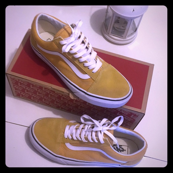 23a2a54a9be3ce Mustard yellow Swede vans old school. M 5b7209cd283095e2404b096f